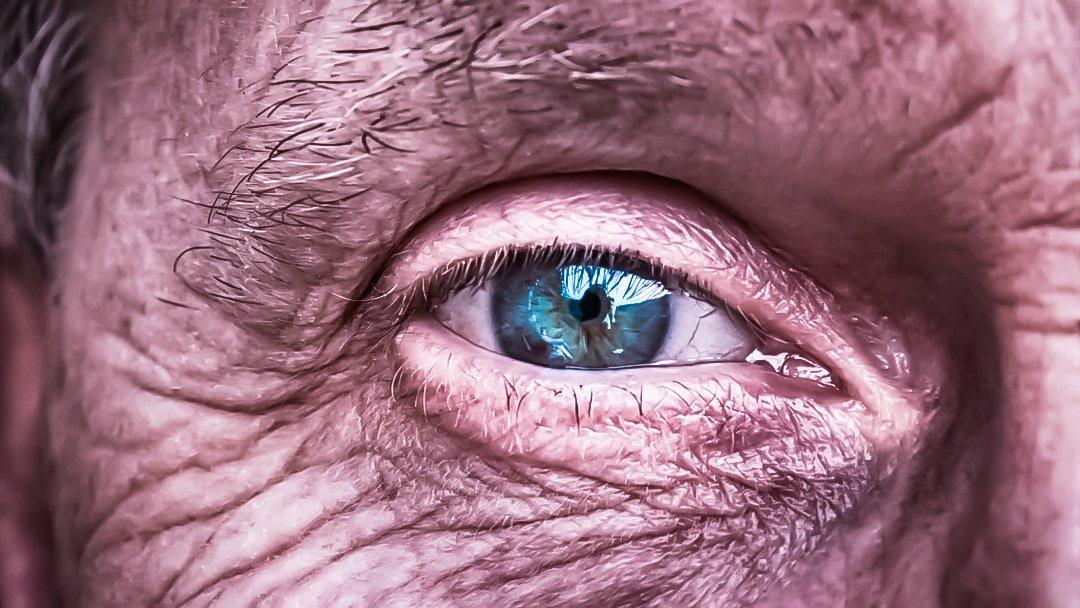 Alter Mann Auge